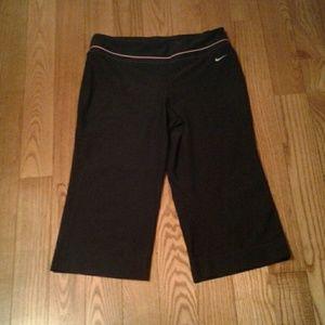 Nike DriFit Capris Cropped Pants M